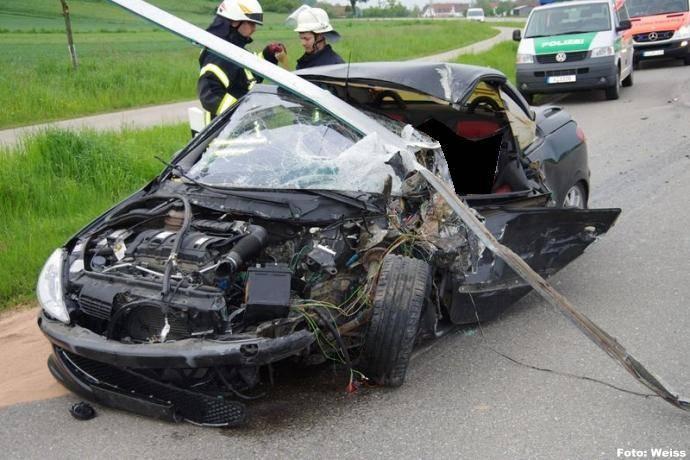 Verkehrsunfall B16 Wattenweiler, bsaktuell.de, Foto Weiss