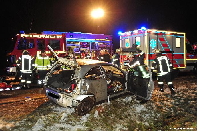 Verkehrsunfall auf der B300 bei Edenhausen am 27.01.2014, BSAktuell, bayerisch-schwaben-aktuell,