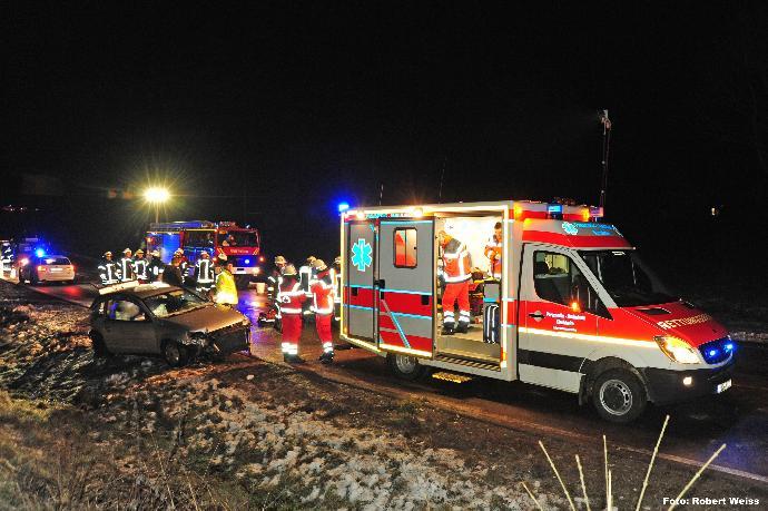 Verkehrsunfall auf der B300 bei Edenhausen (zwischen Krumbach und Thannhausen) am 27.01.2014