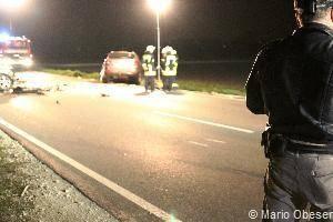Tödlicher Verkehrsunfall im Kreis Neu-Ulm und vier Schwerverletzte, Bsaktuell, ST 2031 Verkehrsunfall, Senden an der Iller, Feuerwehr Senden
