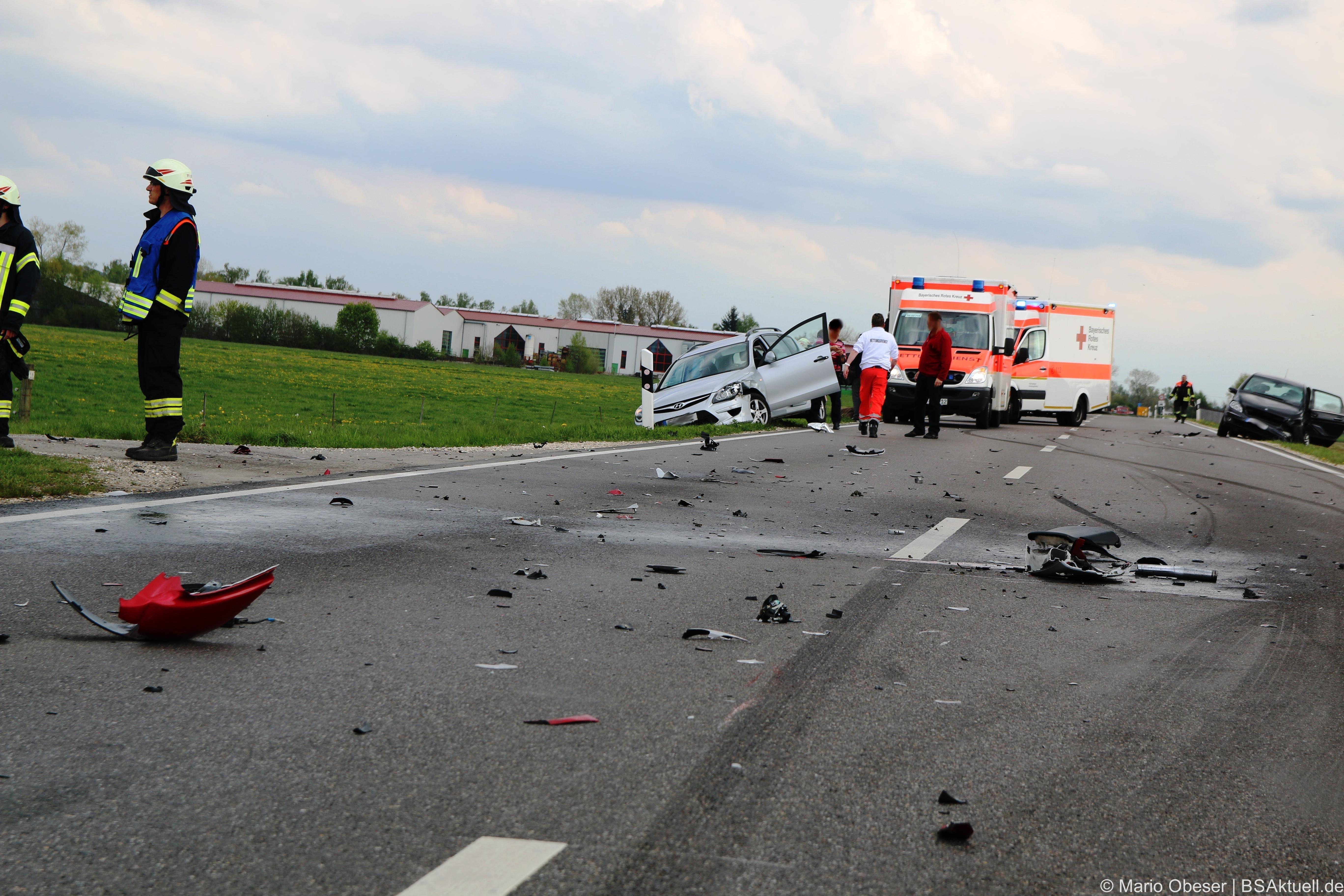 Ein schwerer Motorradunfall, auf der Umgehungsstraße Jettingen, forderte am Nachmittag insgesamt sieben, teils schwer Verletzte.