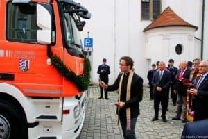 Fahrzeugweihe des Wechselladerfahrzeug der Feuerwehr Günzburg.