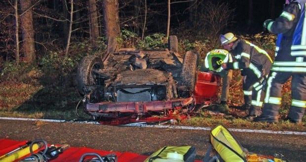 Feuerwehr Krumbach, Verkehrsunfall, Unfall, Attenhausen Krumbach Verkehrsunfall, Tödlich Unfall Krumbach