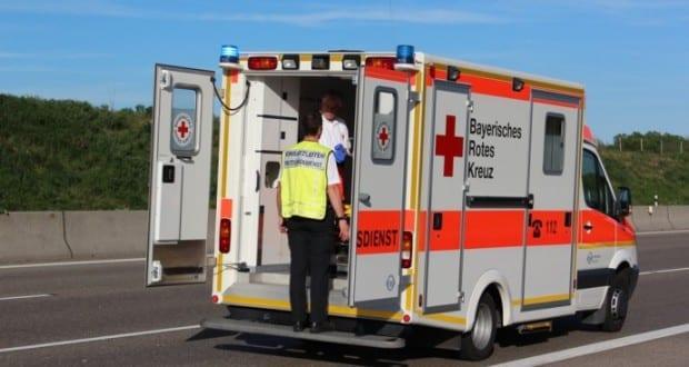 Rettungswagen mit Einsatzleiter Rettungsdienst
