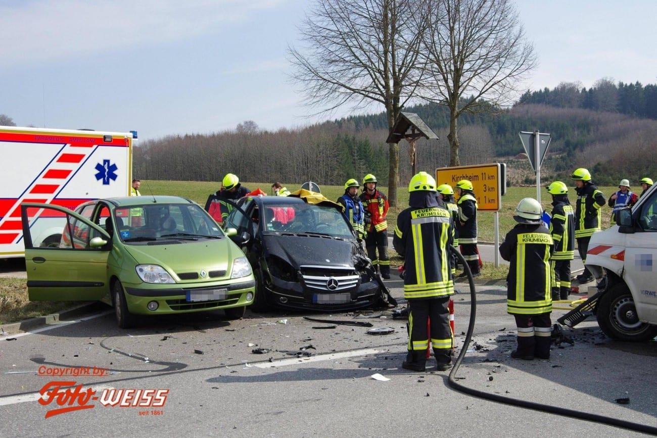 Krumbach Schwerer Verkehrsunfall Mit Mehreren Verletzten