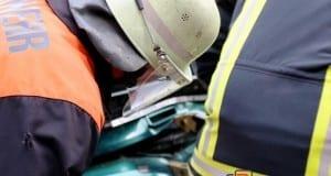 Feuerwehr mit Spreizer