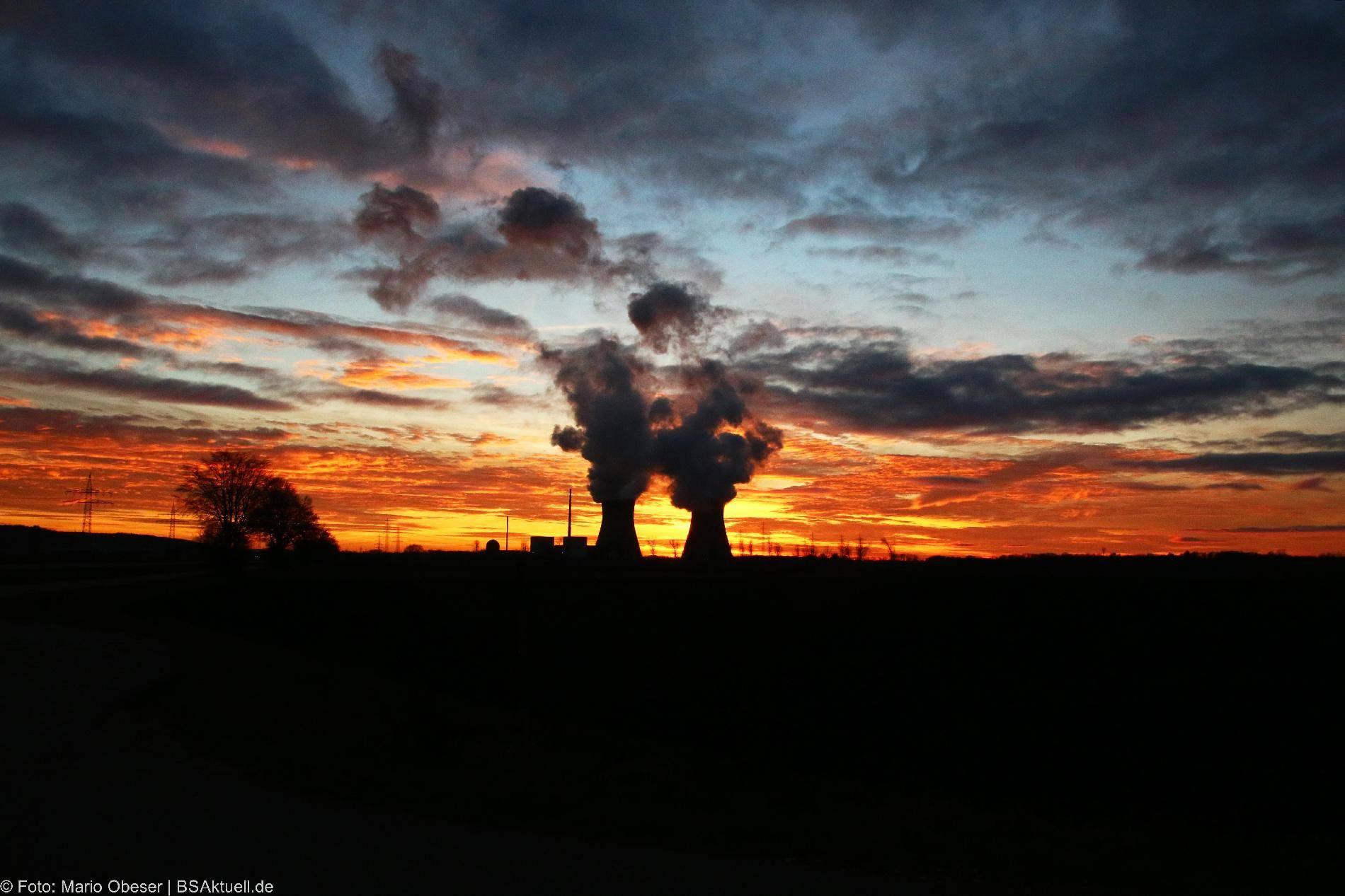 Sonnenuntergang Kernkraftwerk Gundremmingen