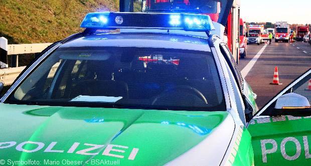 Feuerwehr Polizei Verkehrsunfall