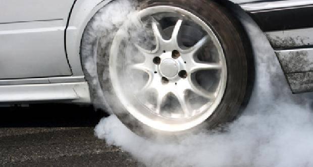 Auto mit Burnout