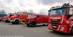 Fahrzeuge der Feuerwehr und THW Helden Event Legoland Deutschland Günzburg