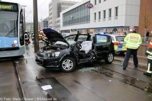 Verkehrsunfall Ulm Strassenbahn PKW