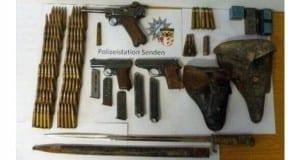 Sichergestellte Waffen in Senden bei Abrissarbeiten