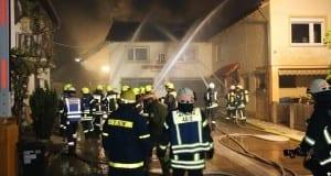 Dachstuhlbrand mit erheblichem Sachschaden im Landkreis Günzburg in Burtenbach