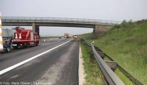Verkehrsunfall Autobahn 8 Leipheim 28052016 1