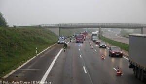 Verkehrsunfall Autobahn 8 Leipheim 28052016 16