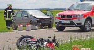 Verkehrsunfall mit Motorradfahrer B300 02