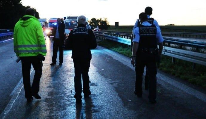 Tödlicher Verkehrsunfall B10 Ulm am 15.06.2016 04