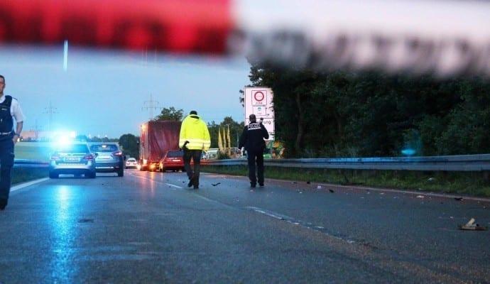 Absperrung Tödlicher Verkehrsunfall B10 Ulm