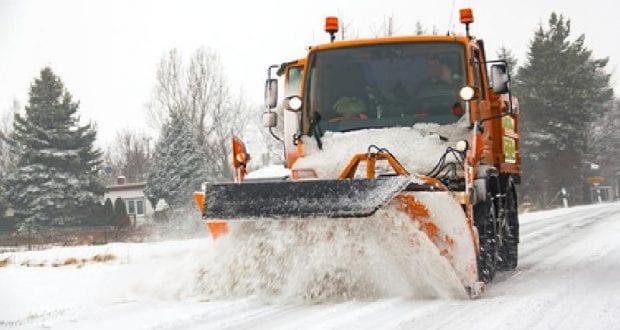 Schneepflug im Winterdienst