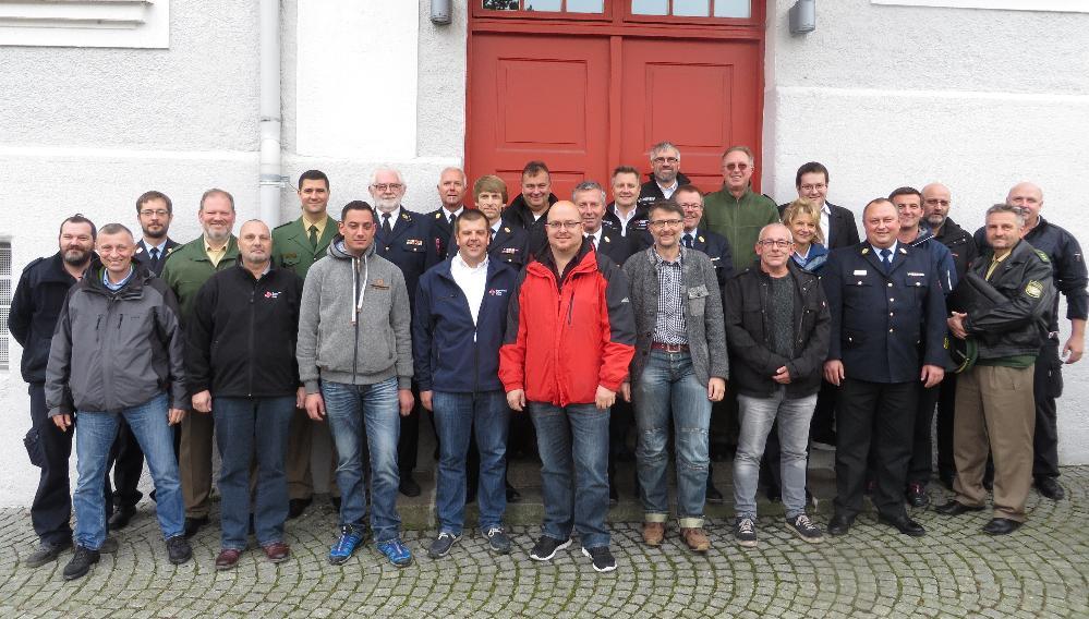 Treffen Führungskräfte Feuerwehr und Rettungsdienst