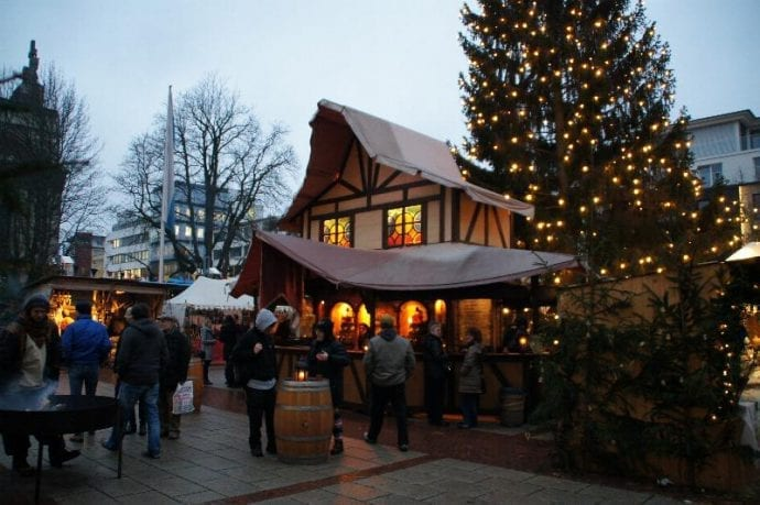 weihnachtsmarkt-rathausplatz-neu-ulm-2014-stadt-neu-ulm-1