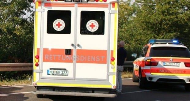 Rettungswagen und Notarzt im Einsatz