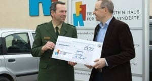 Spendenscheck Polizei Fritz-Felsenstein-Haus