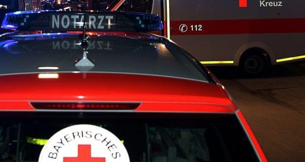 Rettungswagen Notarzt und Feuerwehr