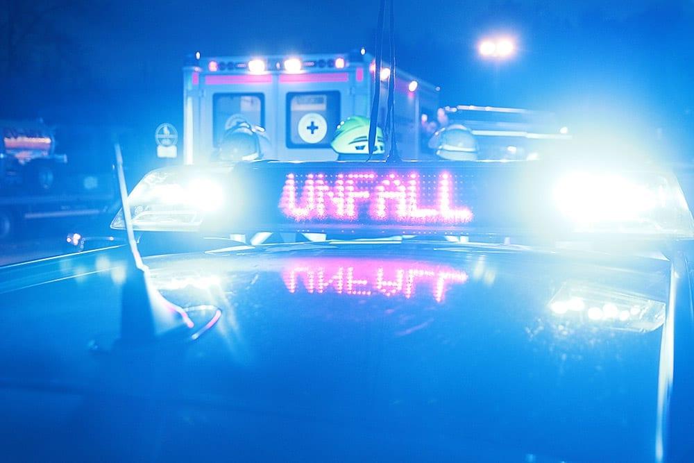 Unfall Polizei Feuerwehr Rettungsdienst Blaulicht