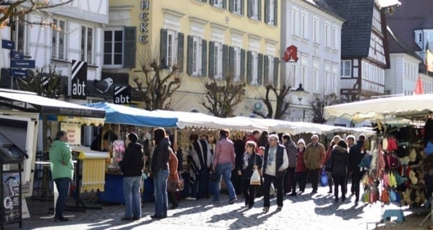 Guenzburg Maimarkt und verkaufsoffener Sonntag