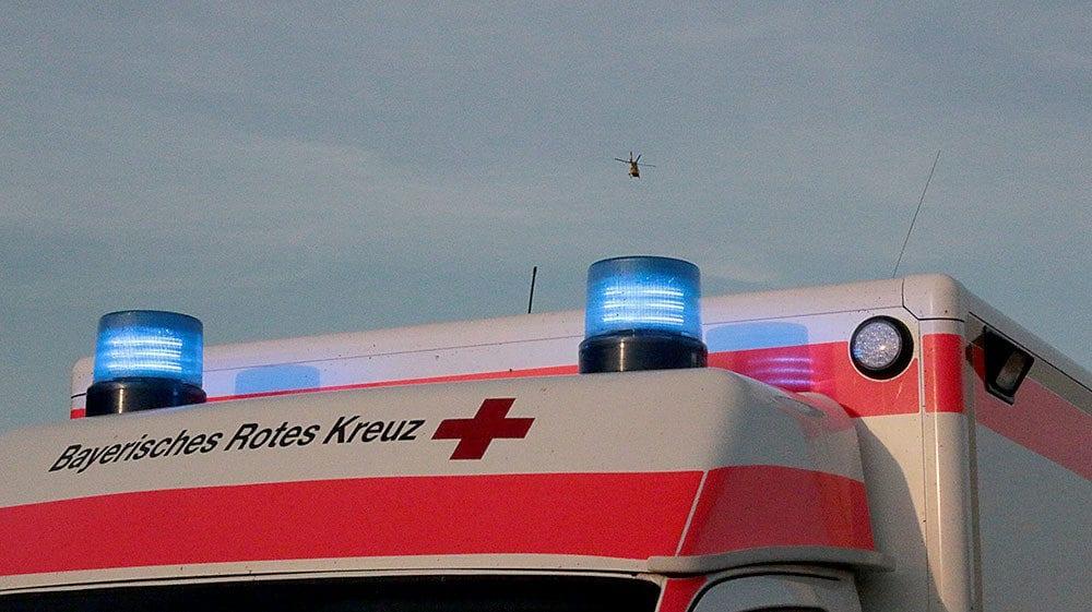 Rettungswagen mit Rettungshubschrauber