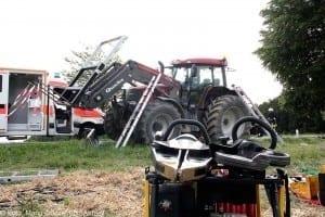 Verkehrsunfall Motorradfahrer und Traktor GZ4 Kreis Guenzburg 5