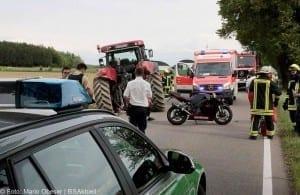 Verkehrsunfall Motorradfahrer und Traktor GZ4 Kreis Guenzburg 6