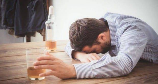 Betrunken Alkohol Paolese – Fotolia