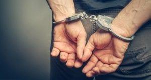 Handschellen Festnahme BortN66 – Fotolia
