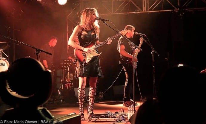 Konzert Ana Popovic und Band im UlmerZelt 2017