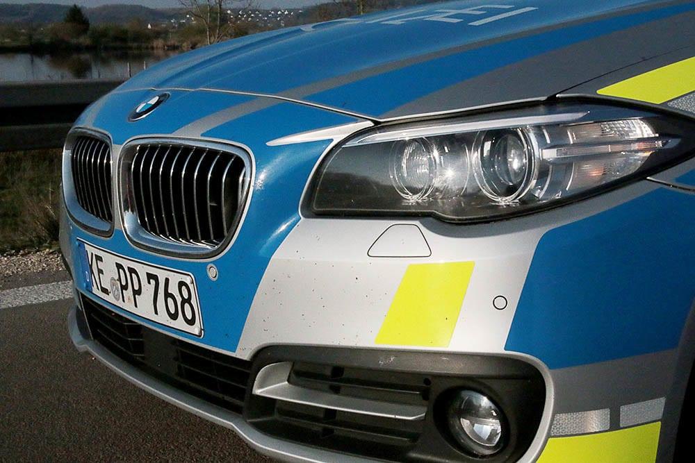 Polizeifahrzeug Front Blau