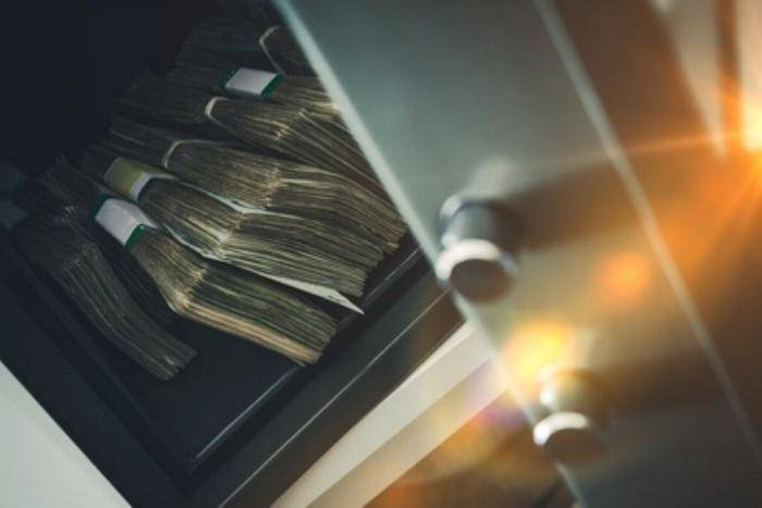 Tresor mit Bargeld