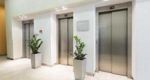 Aufzug in einem Gebäude