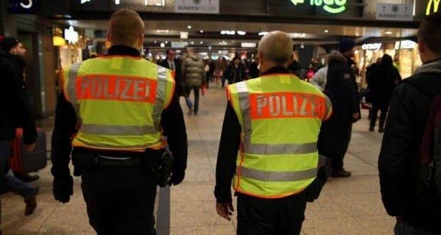 Bundespolizei im Bahnhof BKA