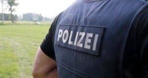 Polizei Polizeiweste Schrift