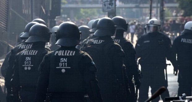 Polizei beim Anti-G20-Protest in Hamburg