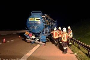 A8 Burgau Auffahrunfall LKW Gefahrgut 20082017 11