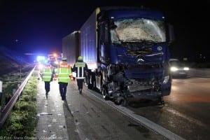 A8 Burgau Auffahrunfall LKW Gefahrgut 20082017 16