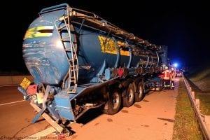 A8 Burgau Auffahrunfall LKW Gefahrgut 20082017 9