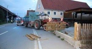 Behlingen Unfall mit Traktorgespannn 30092017 3
