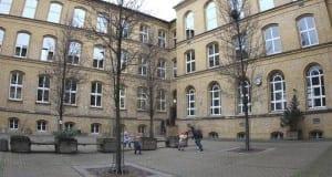 Schulhof Schule