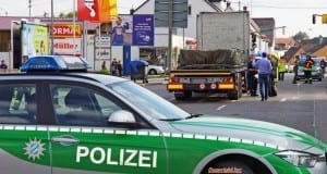 Unfall LKW erfasst Fussgänger in Krumbach