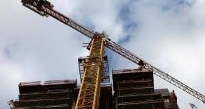 Kran auf Baustelle