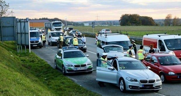 Kontrollstelle Polizei Einbrecher Guenzburg 25102017 4